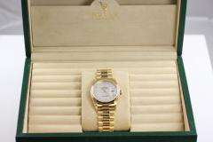 MENS ROLEX PRESIDENT DAY DATE 18K SOLID GOLD MOTHER OF PEARL ROMAN