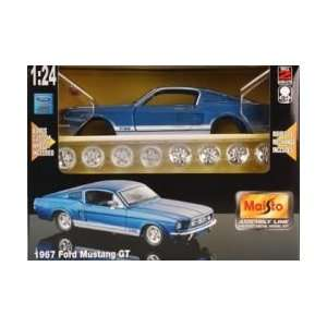 Maisto 1/24 AL 67 Ford Mustang GT Kit Toys & Games