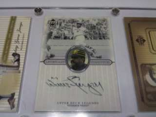 card lot Willie Stargell BAT JERSEY and AUTO in screwdown case