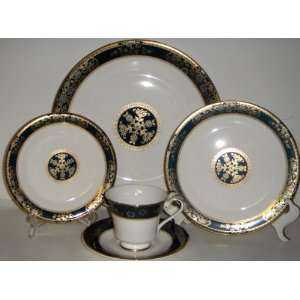Royal Doulton Carlyle 5 Piece Place Setting Everything