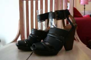 VINTAGE Funky Hipster Black Leather Ankle Strap Cut Out Sandals 6.5