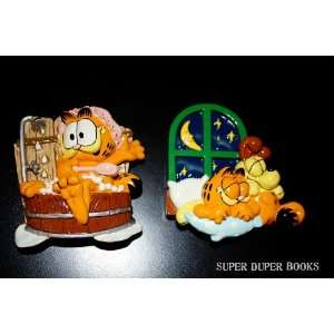 of Two Garfield and Odie Magnets Bathtub Fun and Good Night Friends