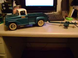 VINTAGE TONKA TOYS STEP SIDE PICKUP TRUCK GREEN AND WHITE WITH BOAT